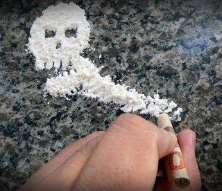 Kokaina jest niebezpieczna i silnie uzależnia